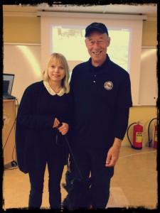 Denise Hundkonsult tillsammans med Ron Gaunt, grundare till sporten K9 Nose work i USA.
